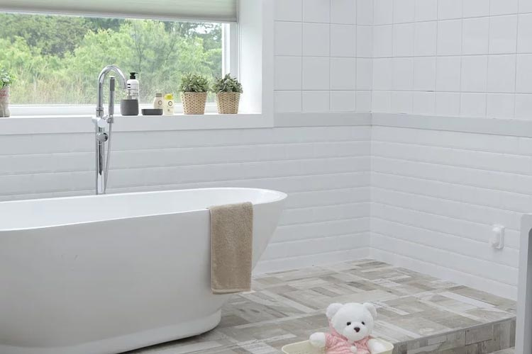 5 Reasons Why Walk-in Tubs Aren't Just for the Elderly